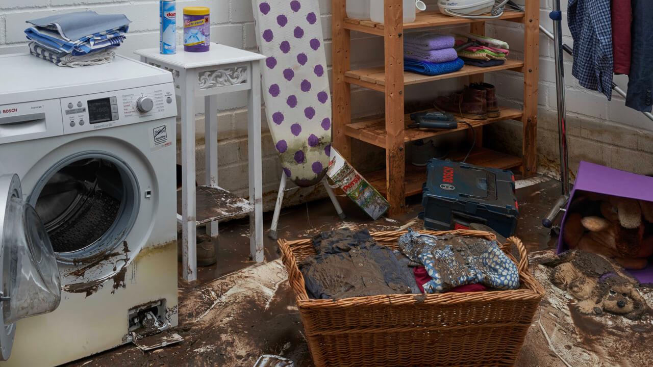Schäden einer durch Rückstau verursachten Überschwemmung in einem Keller