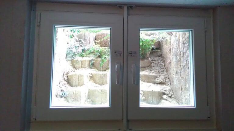 Hochwasserfenster im Keller, Innenansicht