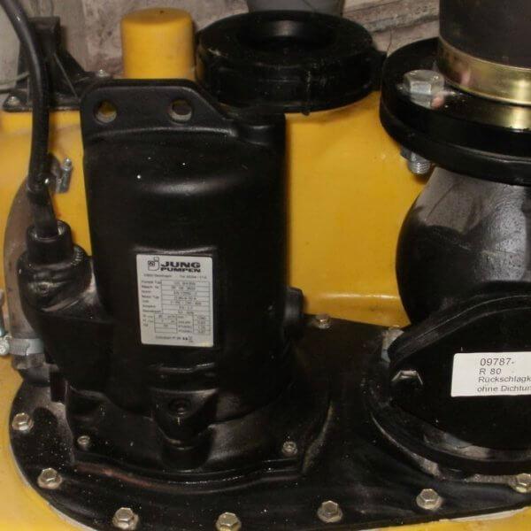 Hervorragend Pump- und Hebeanlagen warten: Bevor es teuer wird!   Rückstauprofi HY86